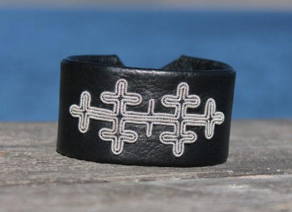 Sami bracelet in Black reindeer leather