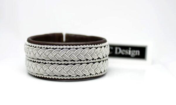 Sami bracelet LOFAR in reindeer leather color Dark Brown.