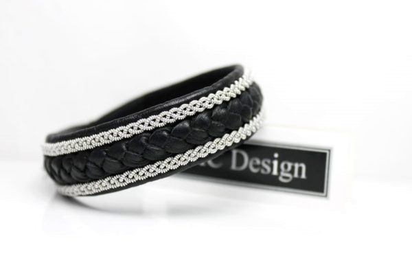 Sami bracelet Jalk in black reindeer leather.