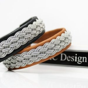 Sami bracelet in reindeer leather.