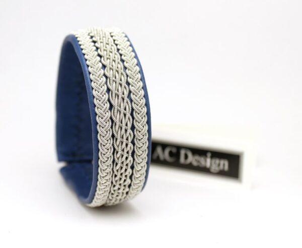 Sami bracelet BOLM in reindeer leather color Royal Blue