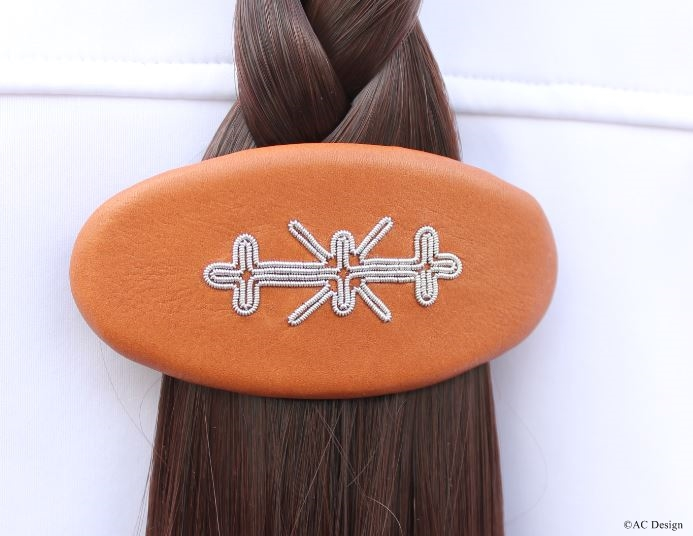 Sami hair barrette, embroidered by hand.
