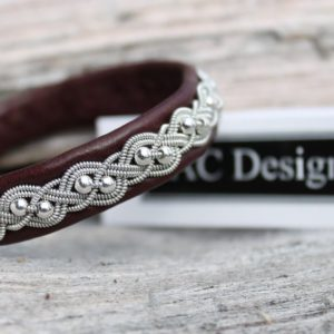 Sami bracelet *Unn in Oxblood reindeer leather.