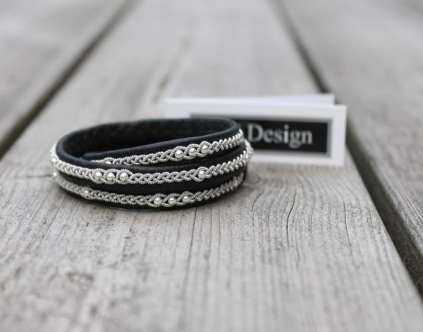 Triple Sami bracelet LONE in black reindeer leather