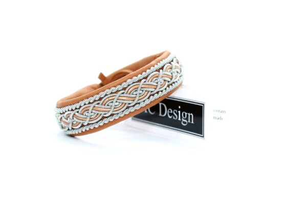 Sami bracelet Nore in reindeer color Muscade